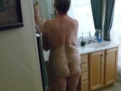 Opa filmt die geile Oma