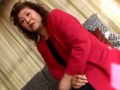 Asiatische Oma beim Pornocasting