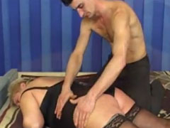 Fette Frau vom Masseur gefickt