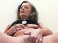 Oma steht nur auf die richtig dicken Schwänze
