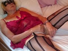 Opa fickt seine Oma in Frauenkleidern