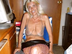 70 jährige Oma sieht immer noch heiss aus