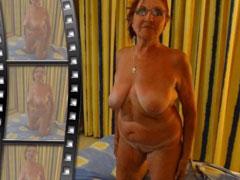 Oma zeigt ihre frisch rasierte Fotze
