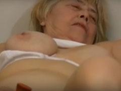 Oma und ihre lesbische Freundin