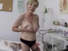 Geht eine Oma zum Frauenarzt