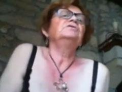 Oma macht neuerdings Webcamsex