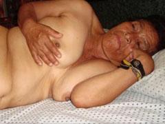 Geile alte Omas zeigen sich nackt