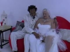 Schwarzer heiratet weisse fette Oma