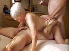 Oma steht auf zwei Schwänze